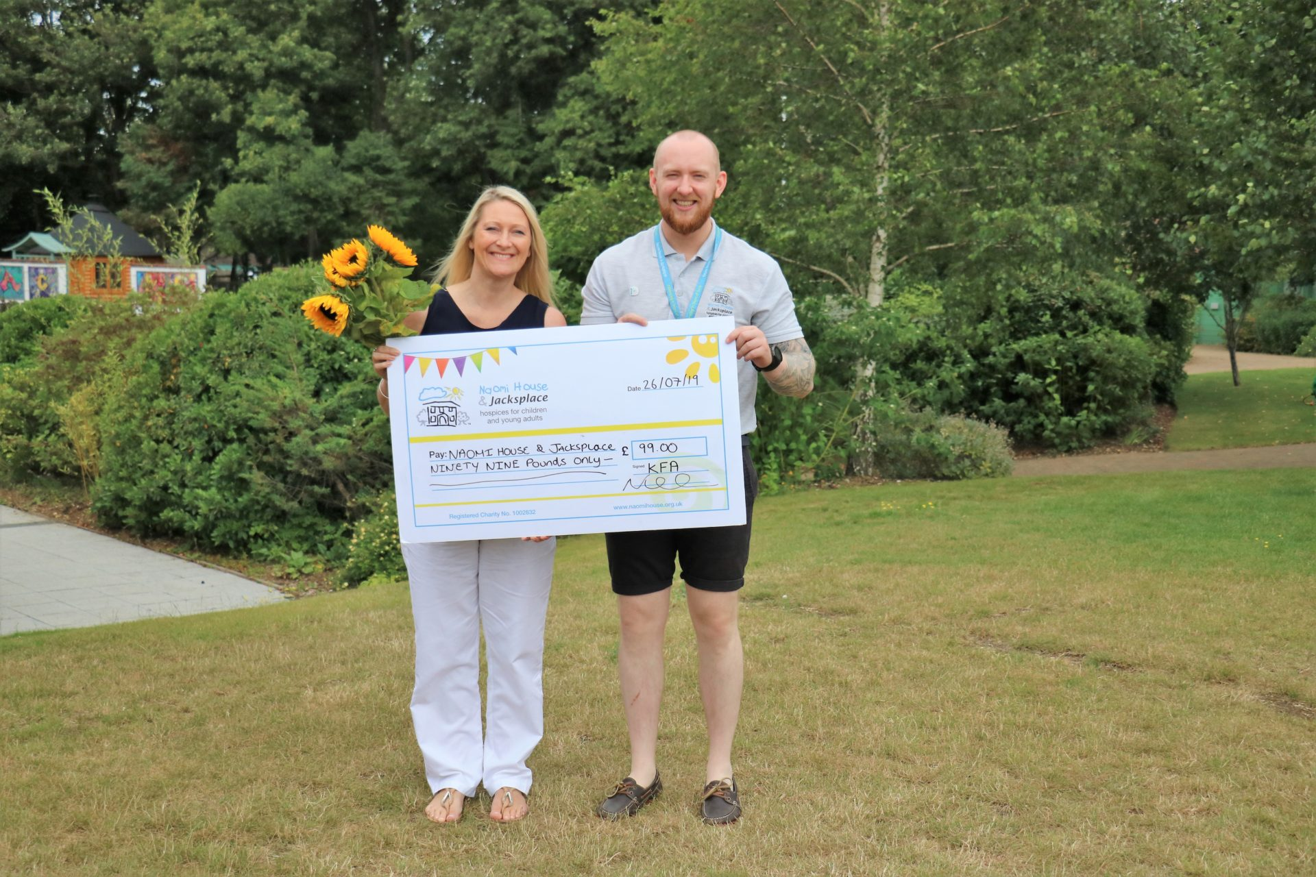 Naomi House Cheque presentation Gardening 2019 1920x1280 - Nicki visits Naomi House & Jacksplace to present cheque